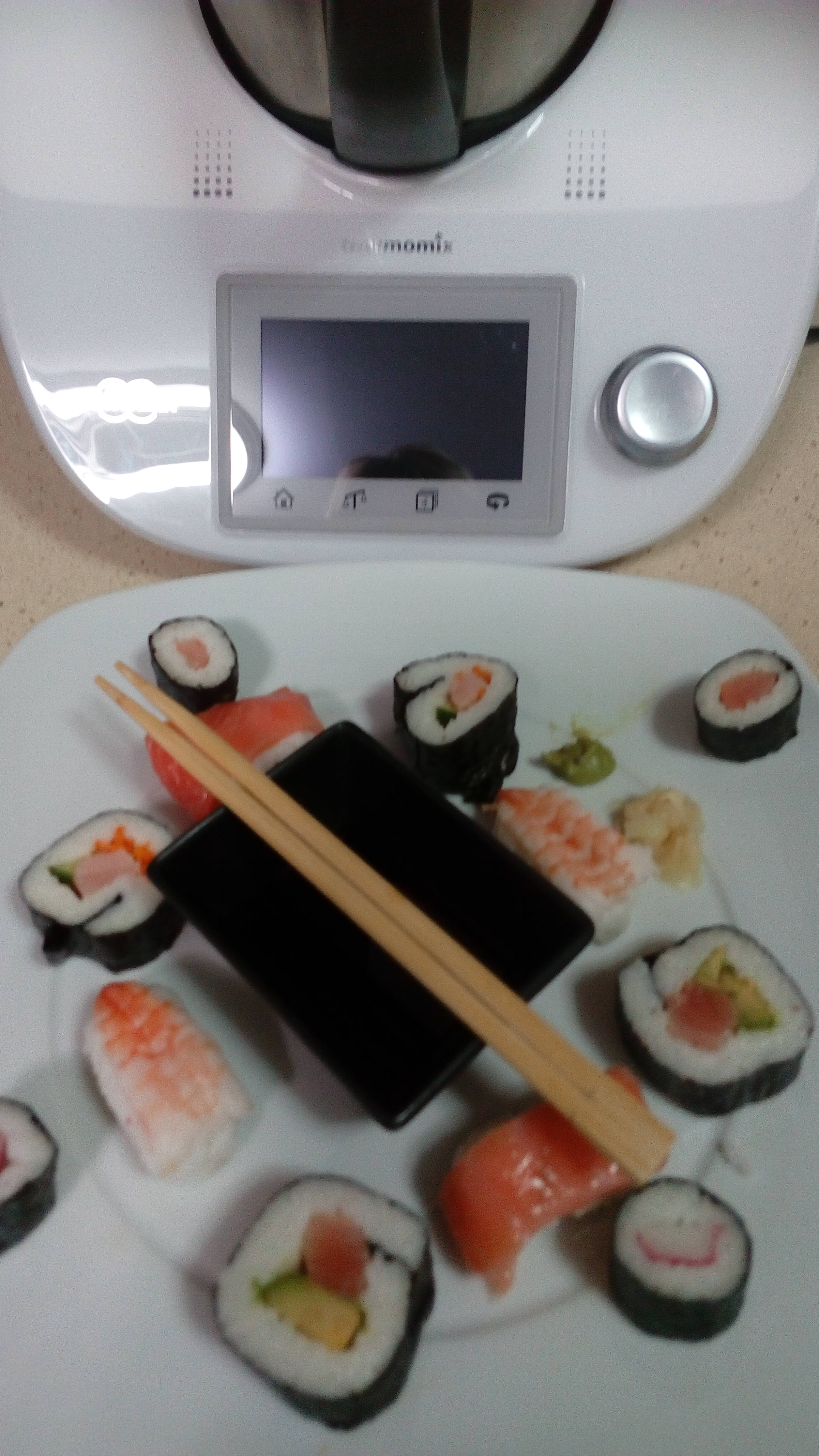 Arroz y aliño para Sushi cocinado en Thermomix®
