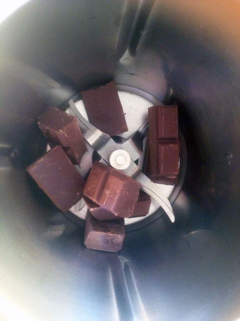 Bizcocho de chocolate de los 6 minutos con Thermomix® + microondas